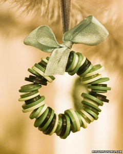 kids' crafts - button wreath ornament