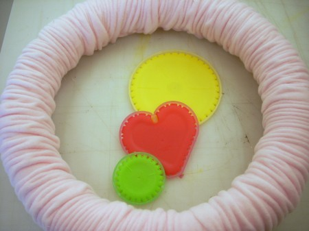 Fleece, Yo-Yo's and Buttons on a Valentine's Day Wreath