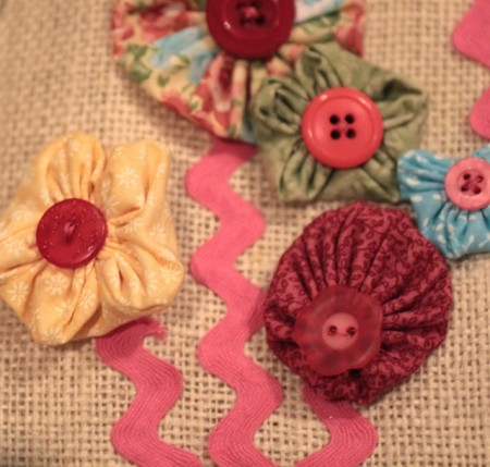 Yo-yos flowers with button center