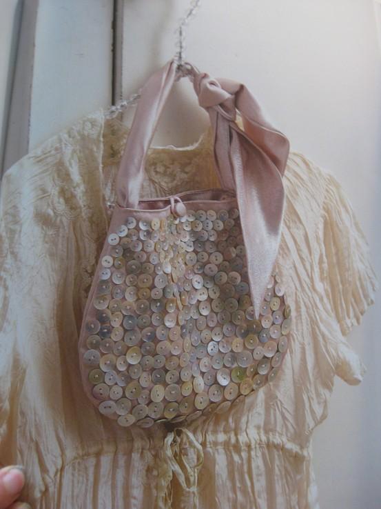 Buttoned handbag