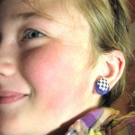 Make Faux Pierced Earrings : Button Fashion Craft with Cozy Brads