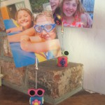 customize a photo holder with theme buttons