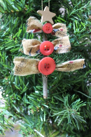 country chic christmas ornament buttons and bows