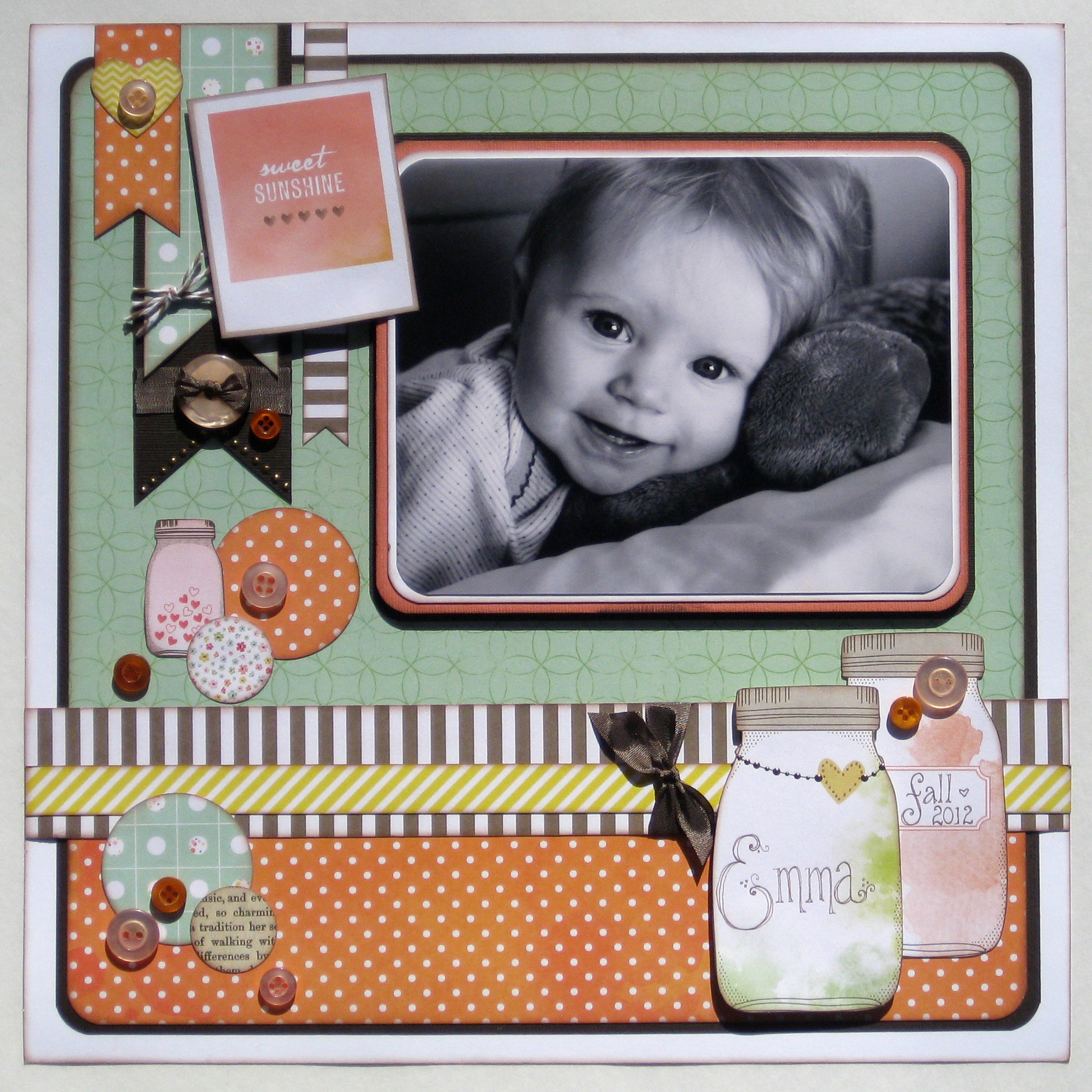 Cute as a button scrapbook page idea - Scrapbooking idees pages ...