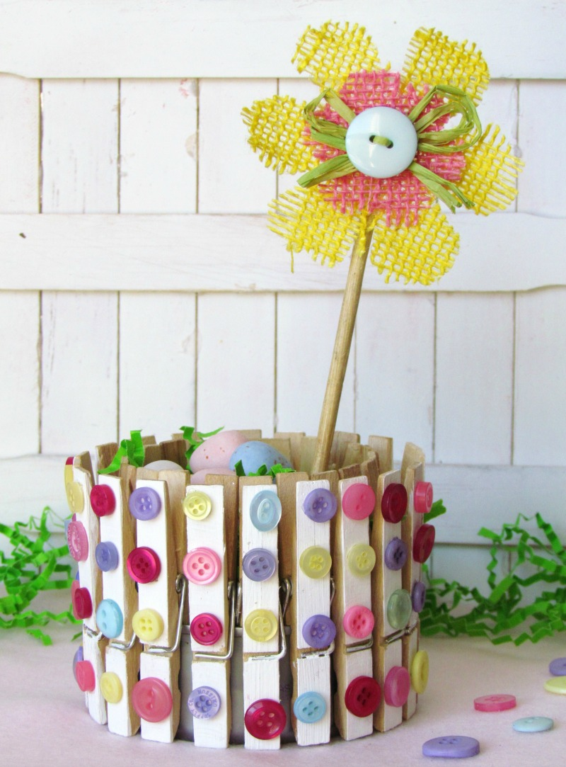 Clothespin craft spring home decor for Home decor crafts