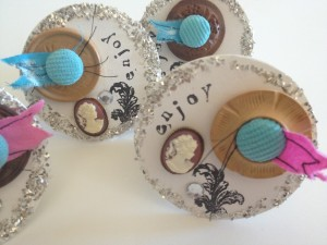 Mixed media shabby chin napkin rings with buttons