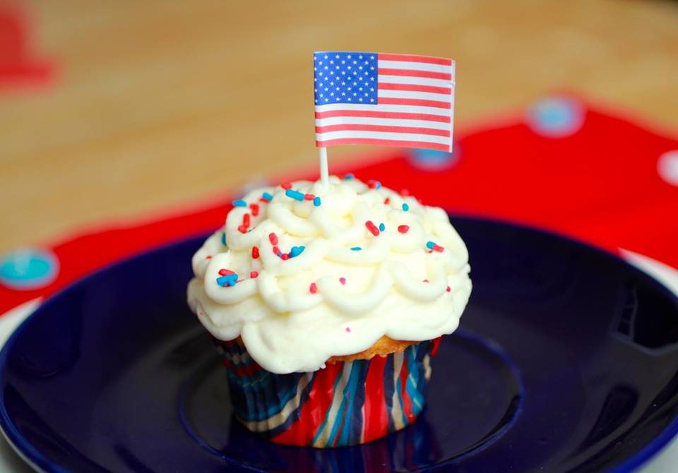 I Love the USA Patriotic Party Crafts - I Love the USA Blog Hop