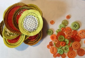 Fabric Scrap circles and buttons