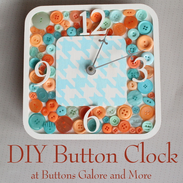 A great DIY button clock that anyone can make easily.  Get the full instructions and make your own clock today.