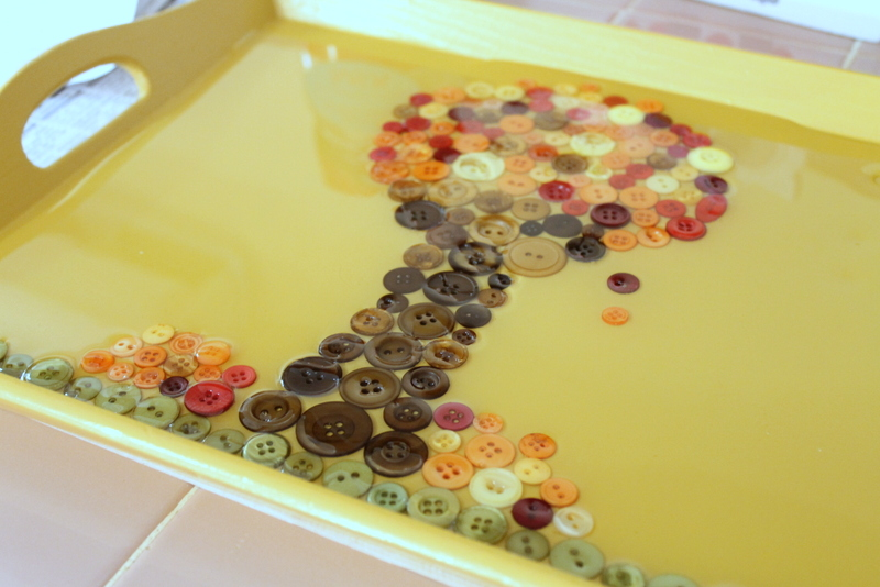 Fall Button Serving Tray -- an idea to spruce up a plain thrift store serving tray for all of your fall parties.