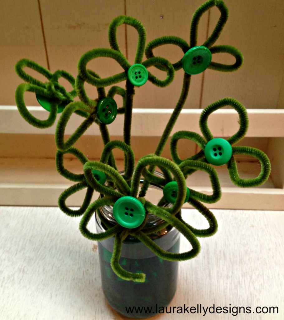 Lucky Shamrock Decor - Fifteen MINUTE Friday