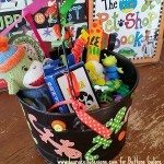 Leapin Lizards Toy Bucket with Laura Kelly Pet Shop Dies from Sizzix