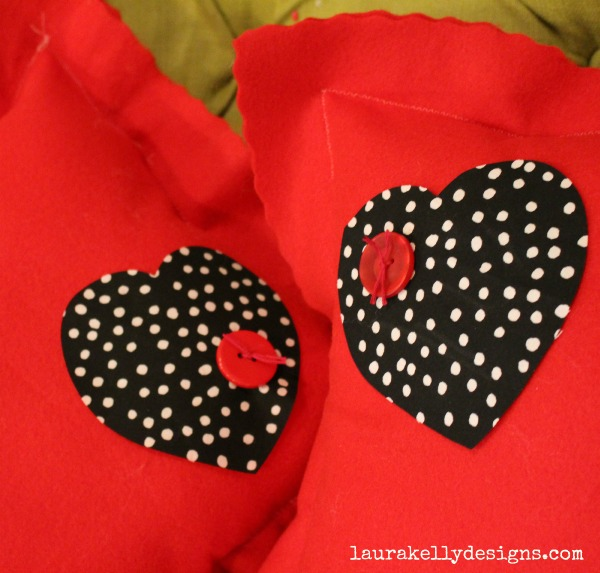 ButtonsGalore_Sizzix_Heart_Pillow