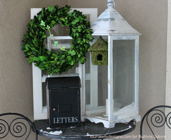 Button Shamrock Garland