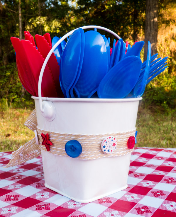 Patriotic Utensil Bucket rear