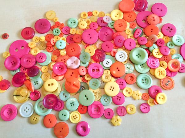 Tutti Fruity Button Bonanza