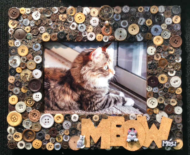 Pet Frame with Buttons Galore buttons