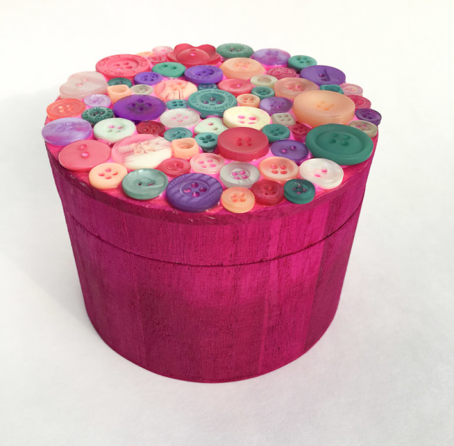 Wood trinket box with button lid