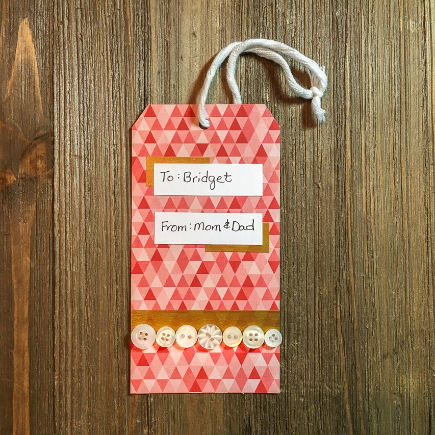 Last Minute Modern Christmas Gift Tag With Buttons