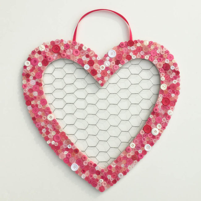 Button Heart Chicken Wire Memo Board