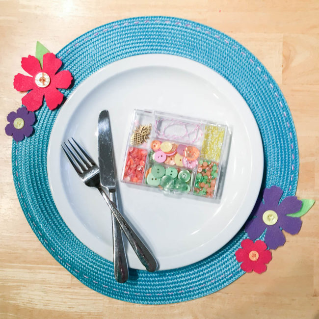 Easy DIY Flower Placemat