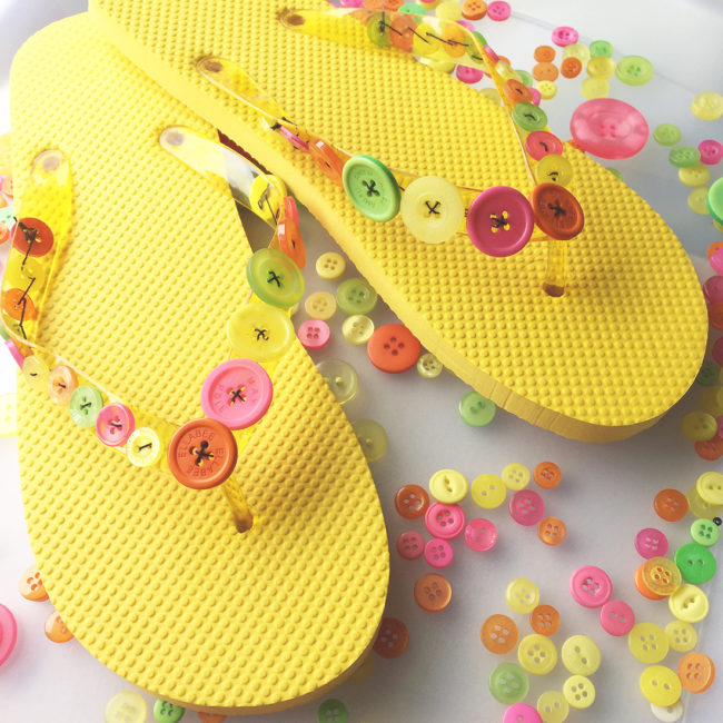 decorate flip flops with buttons