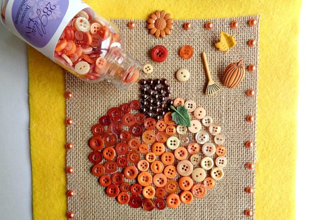 button pumpkin wall hanging